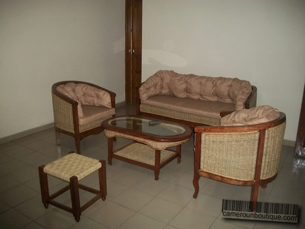 maison meubl e f3 louer yaound tropicana. Black Bedroom Furniture Sets. Home Design Ideas