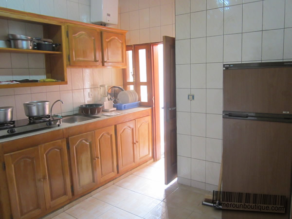 Appartement meubl 3 chambres f4 yaound tropicana 25 for Appartement meuble a yaounde cameroun