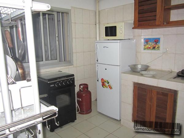 Table rabattable cuisine paris louer un logement meuble for Louer meuble paris