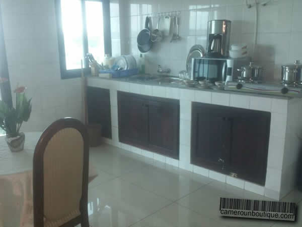 Appartement meubl f3 douala bonanjo 2 chambres for Appartement meuble a douala