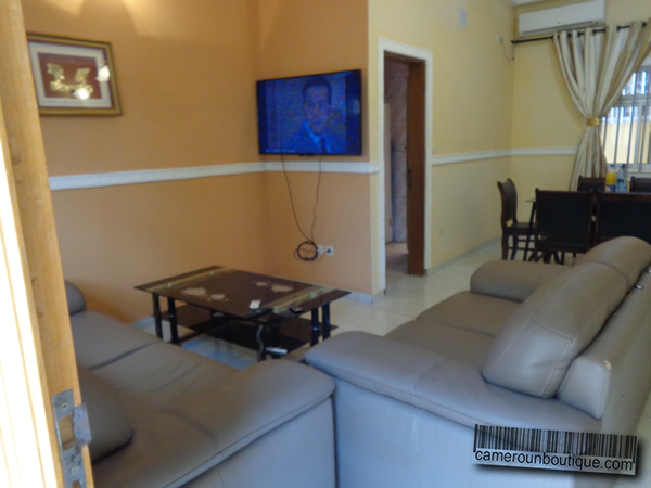 Appartement meubl f3 mimboman ma tur for Appartement meuble a yaounde