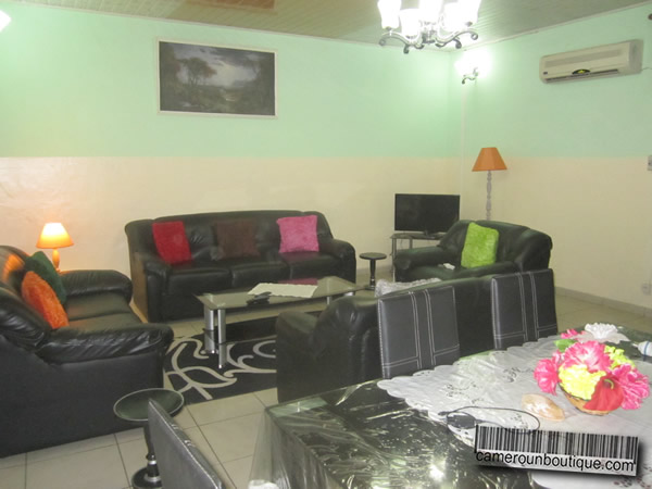 Appartement f4 meubl 3 chambres douala bonapriso 45 for Appartement meuble a douala