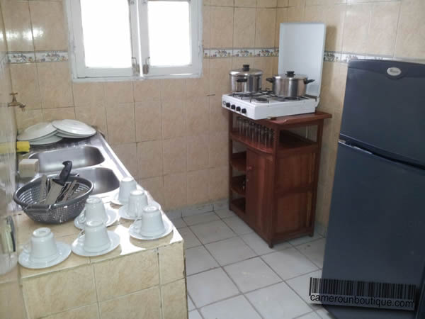 Appartement f3 meubl 2 chambres douala bonapriso 30 for Appartement meuble a douala
