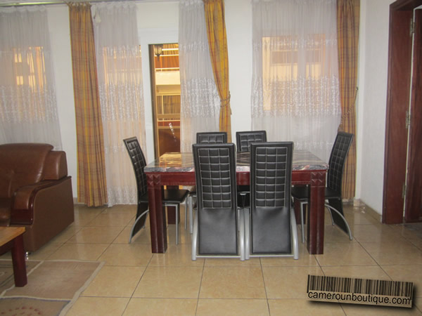 Appartement meubl 3 chambres f4 douala akwa wouri 90 for Appartement meuble a douala