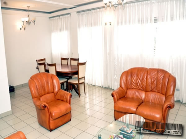 Appartement meubl 3 chambres louer douala akwa 75 for Appartement meuble a louer a douala cameroun