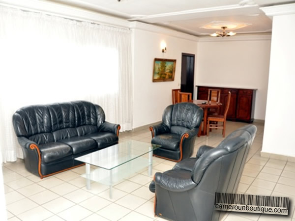 Appartement f4 meubl 3 chambres en location douala akwa for Appartement meuble douala