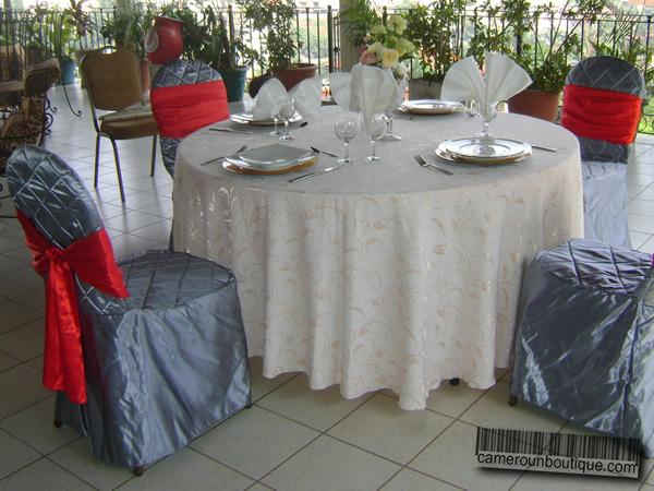 Chaise Avec Housse Gris Rouge Rembour 233 E 1 500fcfa