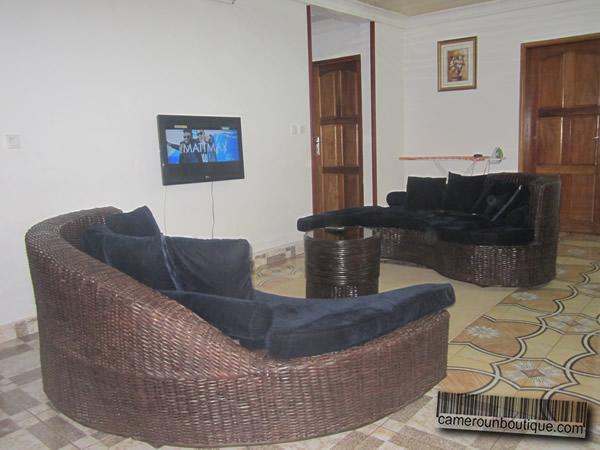 Appartement f3 meubl 2 chambres yaound nlongkak 27 for Appartement meuble a yaounde cameroun