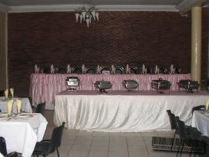 Salle de banquets 250 Places à Yaoundé Tropicana