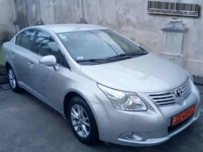 Location Toyota Avensis 2012 à Douala