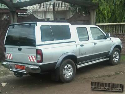 Location Pickup Nissan Hard Body à Douala