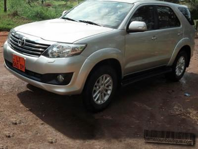 Location Voiture Toyota Fortuner à Douala