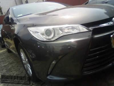 Location Voiture luxe Toyota Camry GLX Gris à Douala