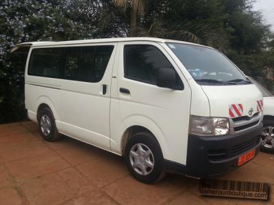 Location Toyota Mini bus 18 Places à Yaoundé