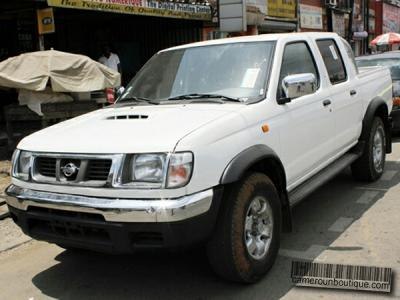 Location voiture à Douala pickup Double Cabine Nissan Navarra D22