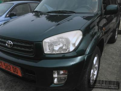 Location Toyota Rav4 2004 à Douala