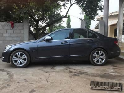 Location Mercedes Kompressor C200 à Douala