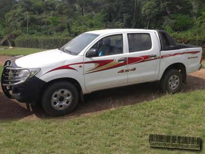 Location Pickup Toyota Hilux Double Cabine à Douala