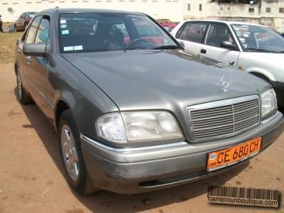 Location Voiture Mercedes 250 D à Yaoundé