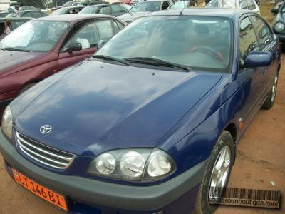Location Voiture Toyota Avensis à Yaoundé