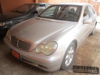 Location voiture Mercedes Benz C240 à Yaoundé