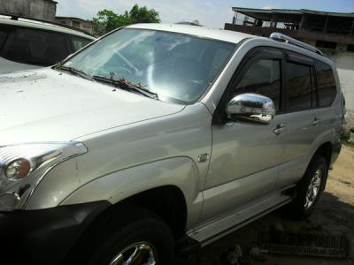 Voiture Toyota Land Cruiser Prado 4WD à Douala