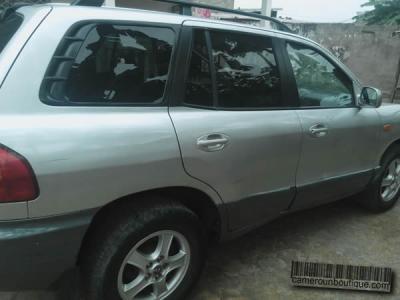 Location 4X4 Hyundai Santa Fe à Douala