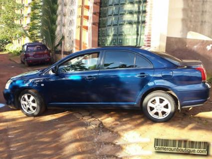 Location voiture berlines Toyota Avensis à Yaoundé