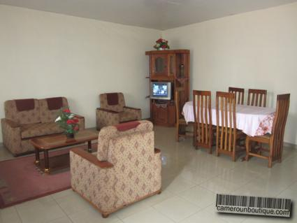 Salle à manger appartement meublé Yaoundé Ekié