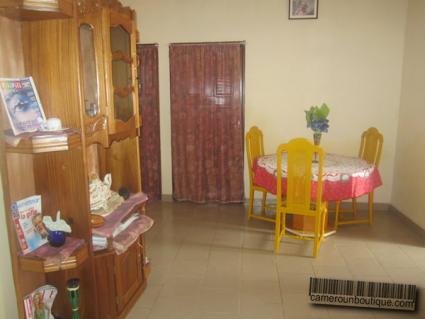 Salle de bain appartement meublé Yaoundé Ekié