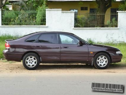 Location voiture berline Mazda à Douala