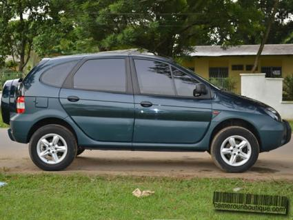 Location 4X4 Renault Scenic à Douala