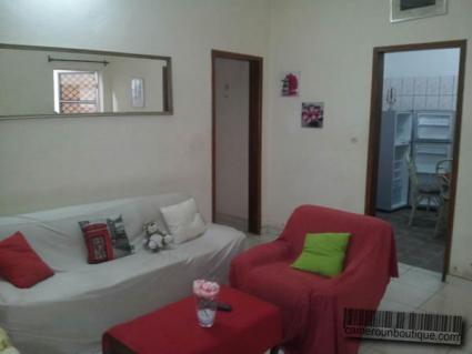 Studio meublé F2 climatisé à Douala Kotto