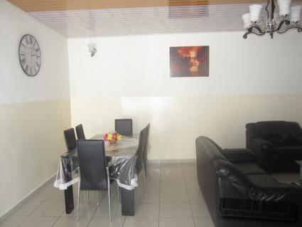 Appartement F3 meublé 2 chambres à louer à Douala Bonapriso
