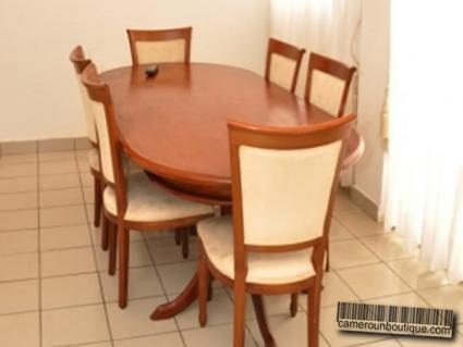 Salle à manger appartement meublé Douala Akwa