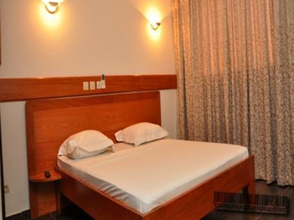 Chambre appartement meublé Douala Akwa
