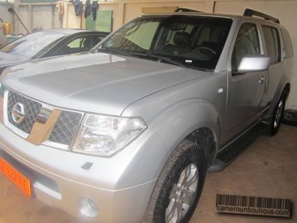 Location Voiture Nissan Pathfinder4X4 à Yaoundé