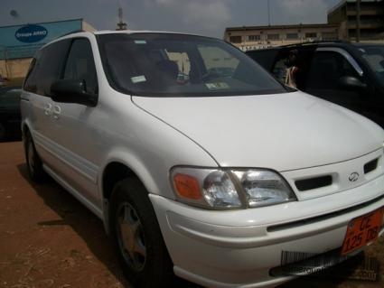 Location Voiture Olds Mobile Full Options à Yaoundé
