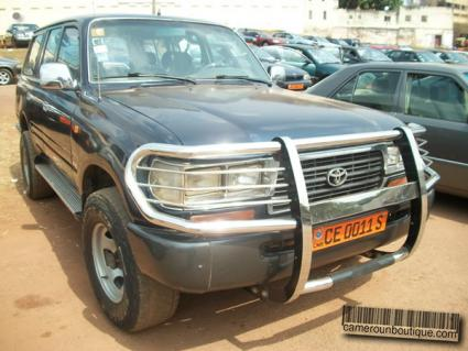 Location Voiture Toyota Land Cruiser 4X4 à Yaoundé