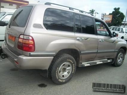 Location Toyota VX Land Cruiser à Douala