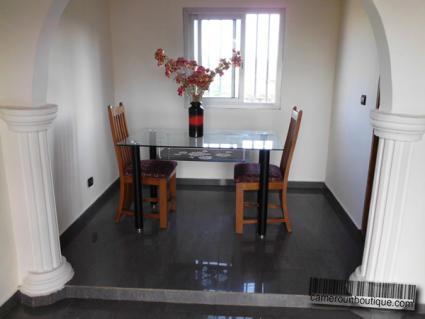 Salle à manger studio meublé Yaoundé Yaoundé Ahala Pharmacam