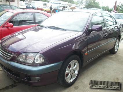 Location Voiture Toyota Avensis à Douala