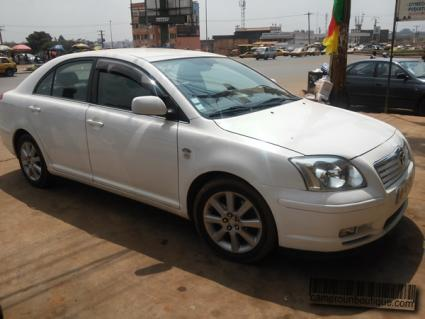 Location voiture berlines Toyota Avensis luxe à Yaoundé
