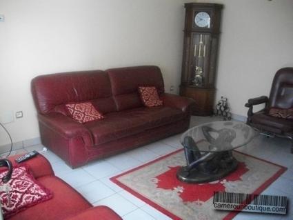 Salon appartement meublé Yaoundé Nkomo Résidence des palmiers