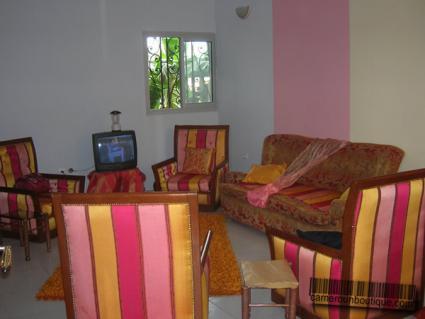 Studio Meublé à Bonamoussadi Douala (Salon)