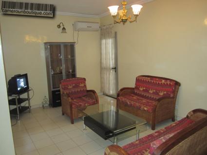 Salon appartement meublé Yaoundé Awae