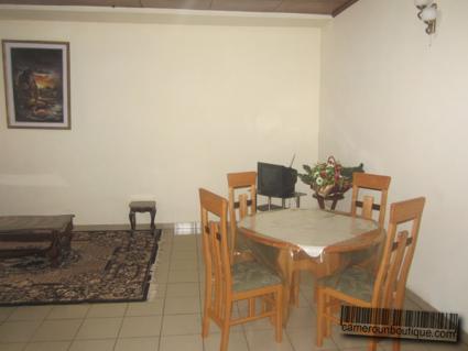 Salle à manger maison meublée à louer Yaoundé Tropicana