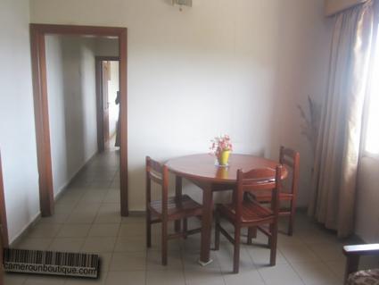 Salle à manger Studio meublé Yaoundé Tsinga