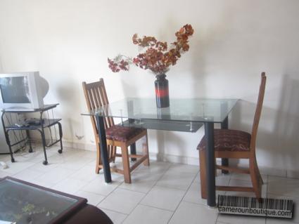 Salle à manger Studio meublé Yaoundé Nsam