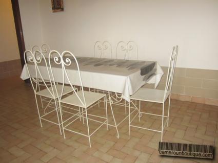 Salle à manger villa meublée Yaoundé Efoulan Club France